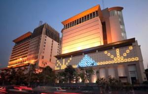 受到澳门赌场吸引力下滑,邻近的柬埔寨金界娱乐城(nagaworld)顺势异军